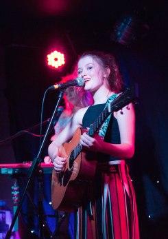 Maisie Peters 3